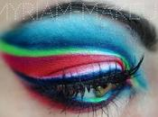 Maquillage artistique design lignes soulignes regard