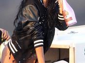 Rihanna avec faux ongles cheveux empoisonne fillettes glorifiant drogue mauvaise