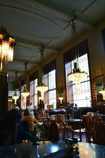 Le café de la Maison Municipale de Prague