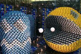 Pacman qui tire sur un fantôme blue