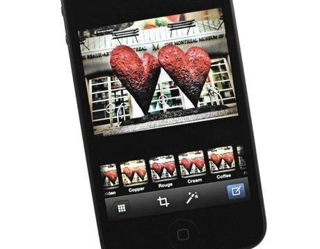 iphone facebook photo 1 Quelques notes et idées lorsque vous voyagez avec votre iPhone ou iPad à l'étranger