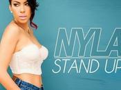 Nyla présente premier clip solo, Stand