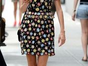 look girly d'Alexa Chung dans rues York...