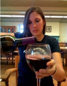 ALCOOL: Le choix du verre et comment on se sert, influent sur la consommation – Substance Use & Misuse