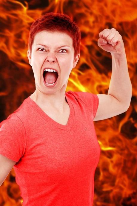 femme en feu