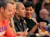"""Chris Brown pique Rihanna glorifie Karrueche dans nouveau titre """"i'm still"""""""
