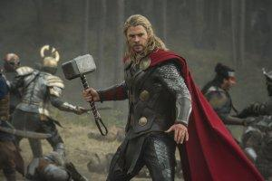 Thor-Le-Monde-des-Tenebres-Chris-Hemsworth-01