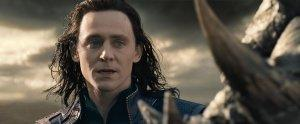 Thor-Le-Monde-des-tenebres-Photo-Tom-Hiddleston-01