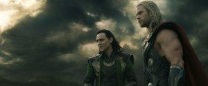 Thor-Le-Monde-des-tenebres-Photo-Tom-Hiddleston-Chris-Hemsworth-01