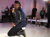 "Surprise Jason Derulo s'incruste mariage chante single ""Marry"