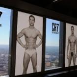 Ronaldo dévoile sa collection de slip