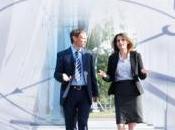 SOCIO: couple, l'homme règle vitesse marche compagne PLoS