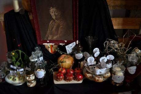 halloween sweet table, harry potter sweet table, sweet table grimoire, potions, sorcières