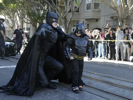 obama-releases-a-heartwarming-vine-congratulating-batkid-on-saving-gotham-545x408