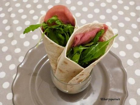 Wraps au carpaccio, roquette et beurre de poivron / Carpaccio, arugula and red pepper butter wraps