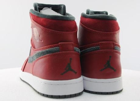 air-jordan-1-high-retro-premier-varsity-red-dark-army-04