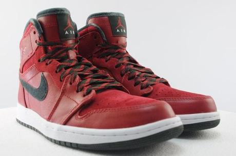 air-jordan-1-high-retro-premier-varsity-red-dark-army-08
