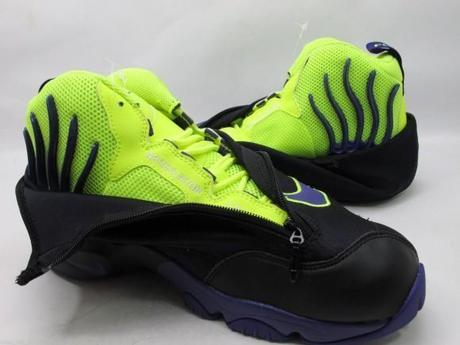 nike-air-zoom-flight-the-glove-lakers-3