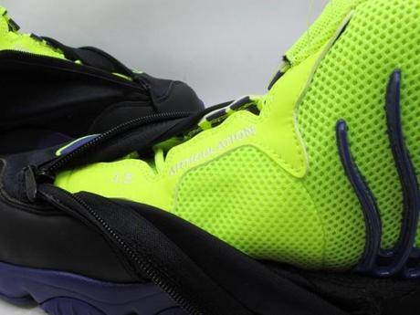 nike-air-zoom-flight-the-glove-lakers-4