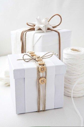 button wood gift wrap