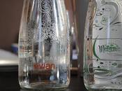 jolie déco table avec bouteilles personnalisée MyEvian