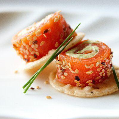 Avocat, saumon et graines + blinis