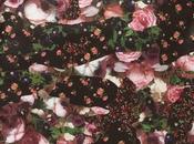 L'accessoire Dimanche pochette florale Givenchy pour hommes...