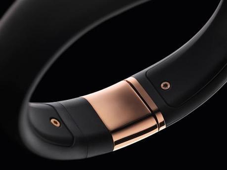 Image nike fuelband se rose gold 3 550x412   Nike+ FuelBand SE Rose Gold