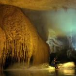Wake dans la grotte de Jeita
