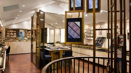 Burberry installe sont make up store à Covent Garden...