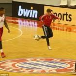 Quand les joueurs du Bayern Munich rencontrent leurs homologues du basket