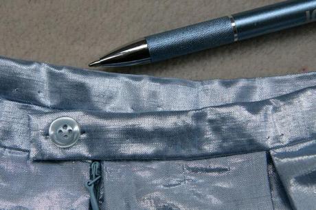sew along jupe plis creux finition boutonniere 6 Sew along de la jupe à plis creux   jour 5 : les finitions