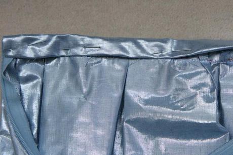 sew along jupe plis creux finition ceinture 4 Sew along de la jupe à plis creux   jour 5 : les finitions