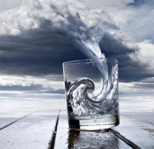 Tempête dans un verre d'eau : Le jour où il fallait commenter la blague de Hollande