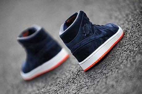 air-jordan-1-dark-blue-orange-2