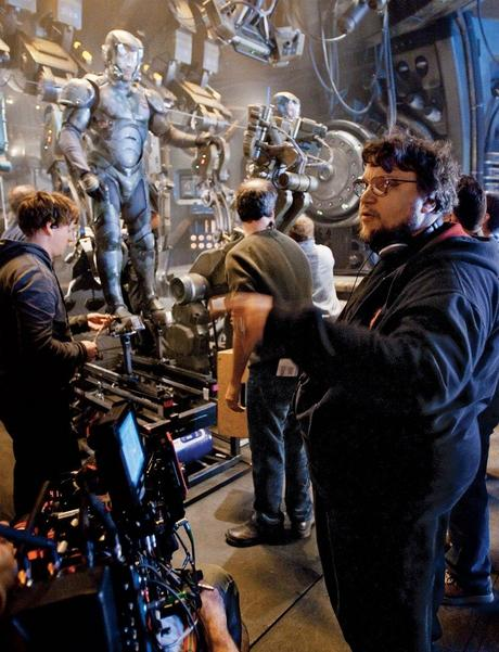 Guillermo-del-Toro-on-the-set-of-Pacific-Rim-2013