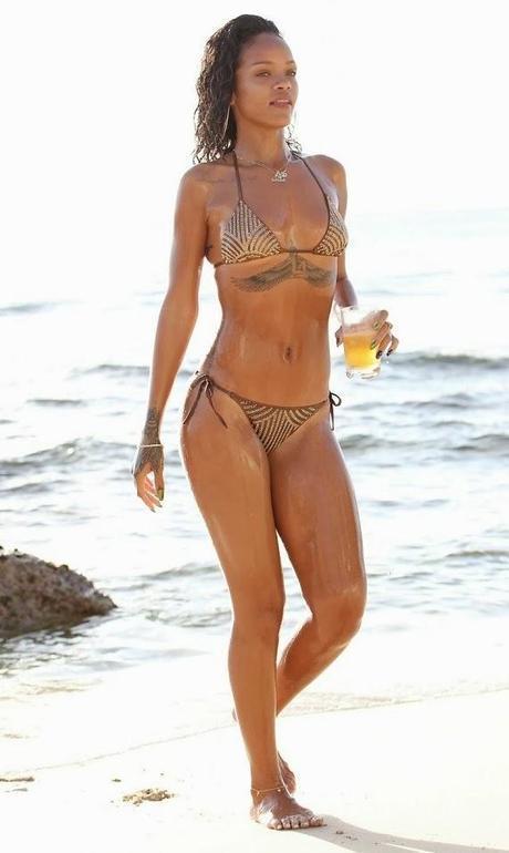 Rihanna en Bikini à la Barbade - 28.12.2013