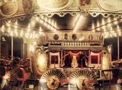 Mets féérie dans avec festival Merveilleux musée Arts Forains Carnivale