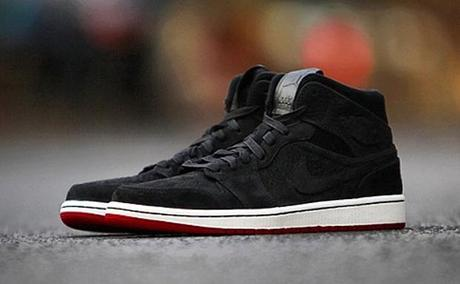 air-jordan-1-mid-nouveau-black-red-3