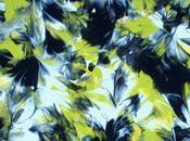 Marcey Hawk peint avec seins marche