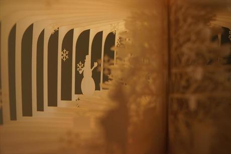 mogwaii-Cut-Paper-Books-Yusuke-Oono-17