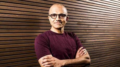 Nouveau patron pour Microsoft, Bill Gates change de rôle