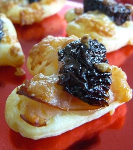 Feuilleté apéritif au pruneau et bacon de dinde