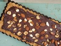 Tarte au chocolat noir aux fruits secs, sel de Guérande au piment d'Espelette...IG bas