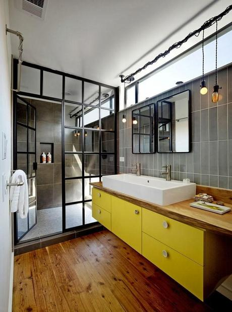 salle de bain jaune d couvrir. Black Bedroom Furniture Sets. Home Design Ideas