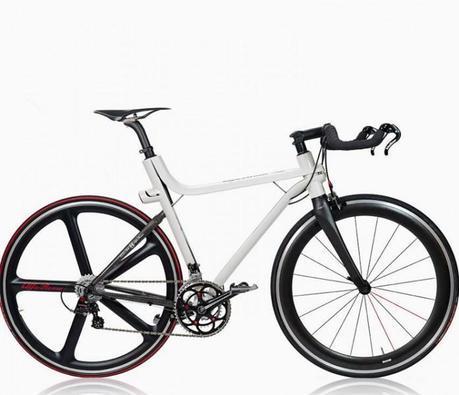 Alpha Romeo se met au Vélo