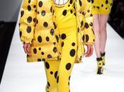 tenue l'éponge signée Jeremy Scott pour Moschino