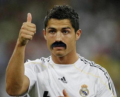 La moustache, le nouveau style des terrains de foot?