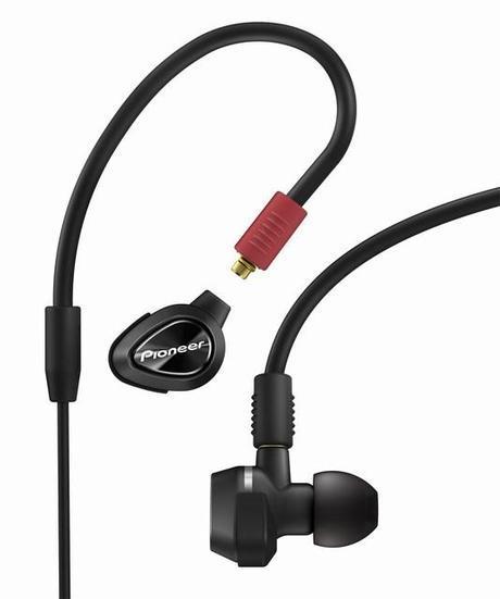 DJE-1500 et DJE-2000, des écouteurs intra-auriculaires pour les DJs