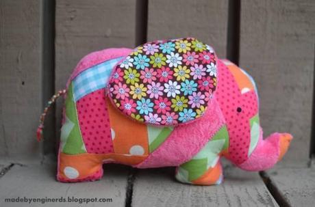 peluche elephant Une peluche à coudre : un éléphant patchwork